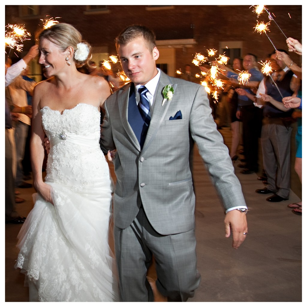 sparkler send off, dallas, texas, wedding